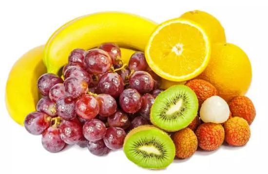 图:在大航海时代,人们发现食用稀奇水果可以招架坏血病