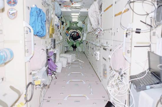 國際空間站首個艙段——曙光號