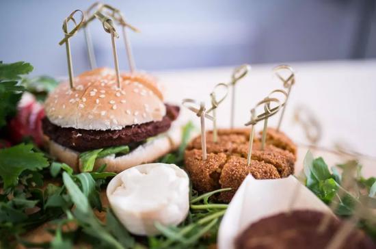 Vegetarian Butcher出售的人造肉漢堡。