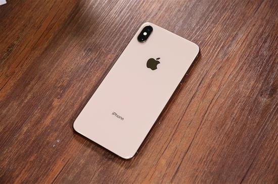 iPhone销量下滑:苹果欲用高售价保持利润