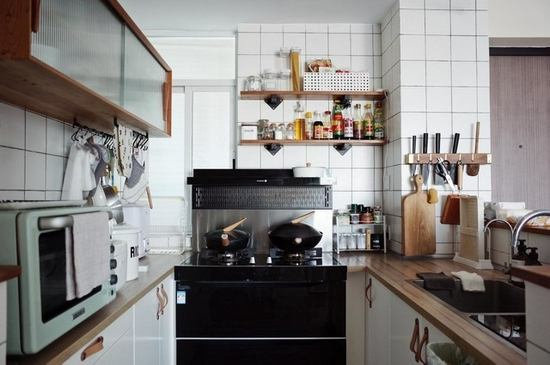 空间+集成灶+收纳=实用又治愈的厨房