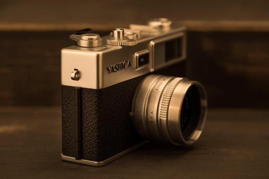 Yashica新款digiFilm相机原型机实拍照曝光
