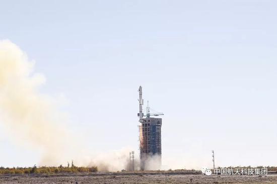 ▲ 长征二号丙运载火箭(及远征一号S上面级)点火升空(邓思超 摄)