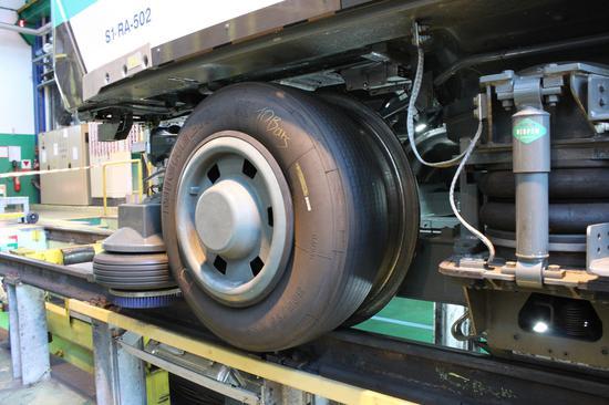▲橡胶轮胎和金属轮释放的可吸入颗粒物不同