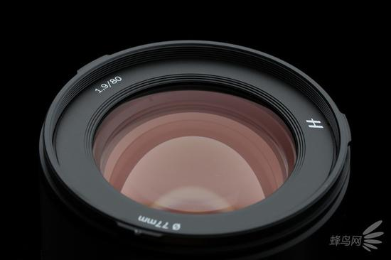 哈苏XCD80mm f/1.9的前镜组镀膜