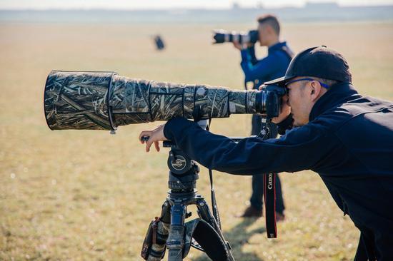 EF 600mm F4 L镜头 与 鸟类摄影师 凌子川