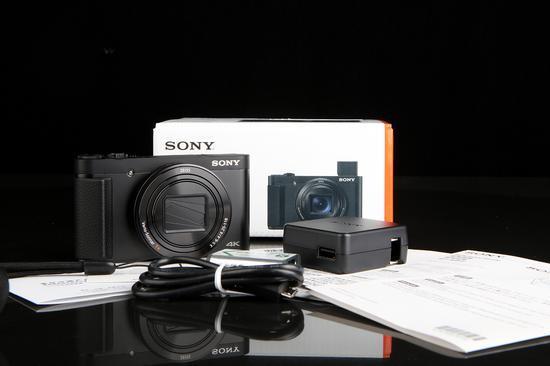 有过出门旅行经验的朋友都知道轻便的拍摄装备是多么的重要