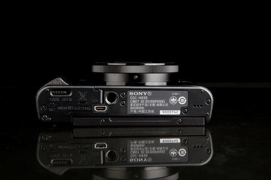 索尼HX99底部