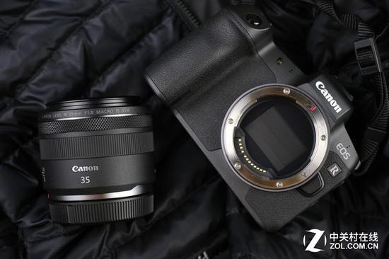 这款35mm镜头的便携性也是一大亮点