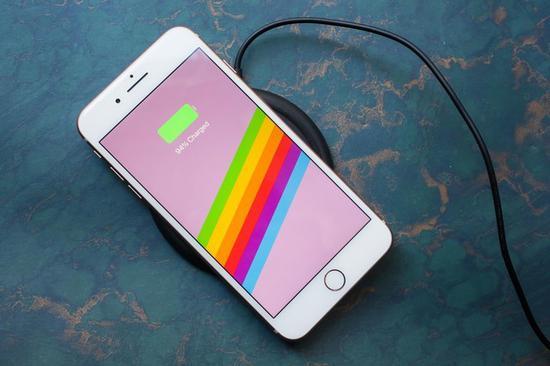 苹果无线充电功能(图片:gearopen)