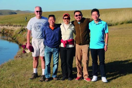 从左到右依次为:启明创投创始主管合伙人Gary Rieschel、邝子平,主管合伙人梁�I宇、甘剑平、胡旭波。