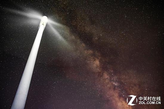 大光圈星空照片