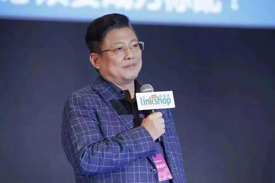 2019年,侯毅在一次公开演讲中提到,今年是填坑之战