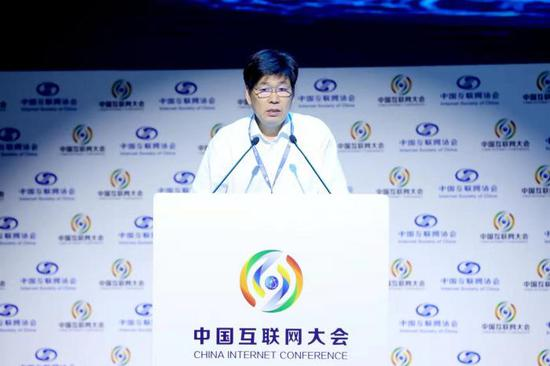 中国将出台互联网+政策 去年出口带宽年增长22.2%