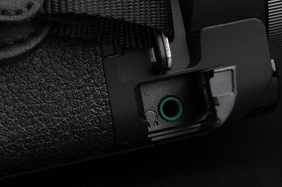 索尼4K摄像机AX60 HDMI输出接口