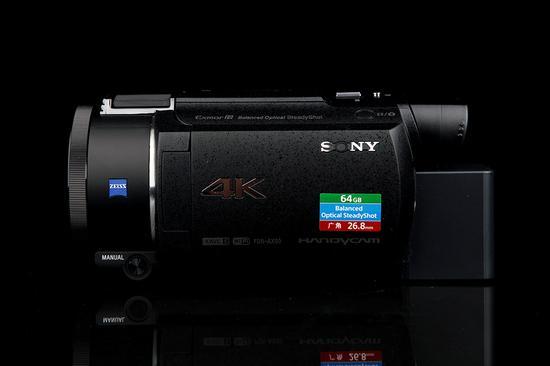 索尼4K摄像机AX60机身右侧