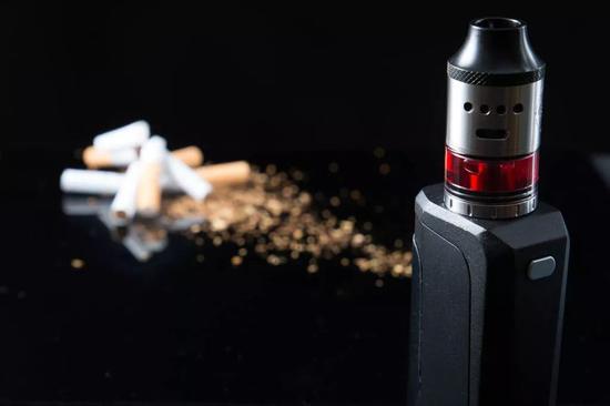 传统香烟与电子烟之间,不存在最优解。/图虫创意