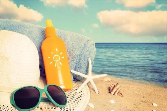 ▲皮膚鱗狀細胞癌是一類常見的皮膚癌,免疫抑制和照射陽光過多是高危因素(圖片來源:123RF)