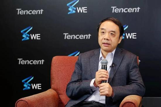 王貽芳接受媒體采訪。騰訊供圖