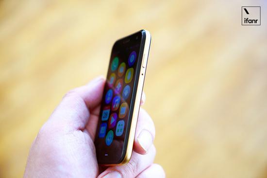 Palm手机国行版图赏:像穿戴设备一样可被你一手掌控