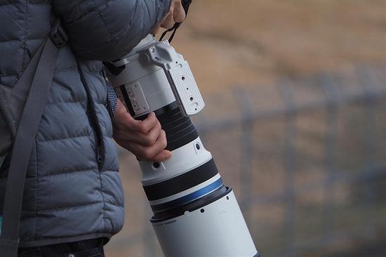 M4/3巨炮 奥林巴斯150-400mm镜头实照 将在2020年正式亮相