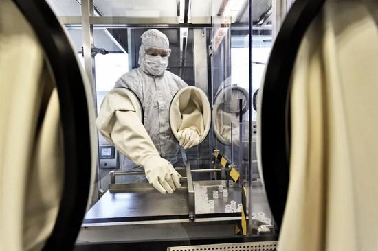 德国CureVac的研究设备,该公司是目前正在研制新冠病毒疫苗的几十家企业之一。来源:Martin Storz / imageBROKER /Picture Alliance