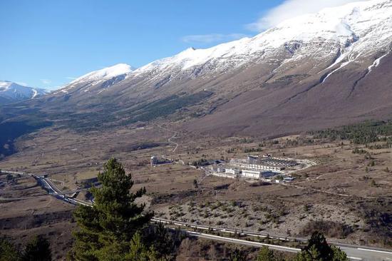 格兰萨索国家实验室外景(图片来源:wikipedia)