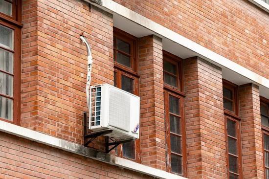 空调的核心部件压缩机 就在室外机中