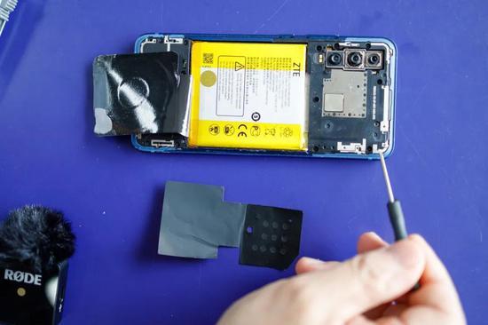 5G手机拆解图