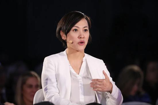 """柳青参加2019年""""创新经济论坛""""/视觉中国"""