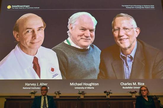 今年的诺贝尔物理学奖,霍金本应有姓名