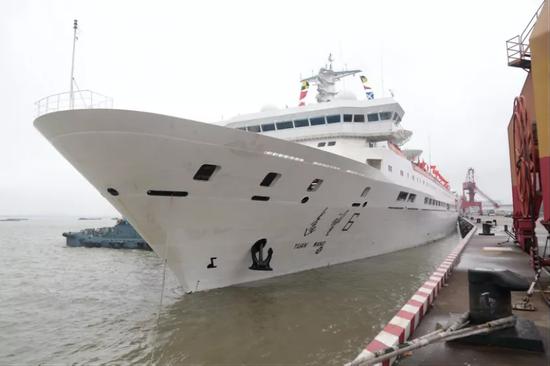 远看6号船准备脱离码头图片来源:作者挑供