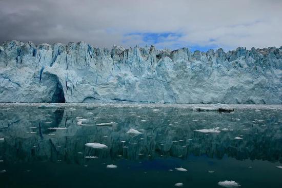 (北极)格陵兰岛上的最大冰川。 图虫创意