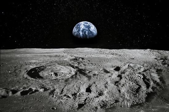 月球虽然荒凉,却蕴藏有丰富的资源,还可以作为探测深空的中转站。 SETI.org