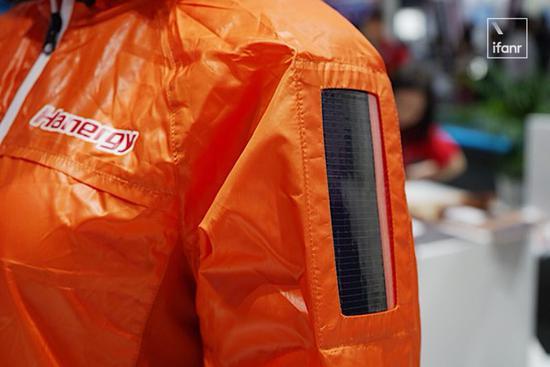 有了能充电的太阳能背包 你还需要移动电源吗?