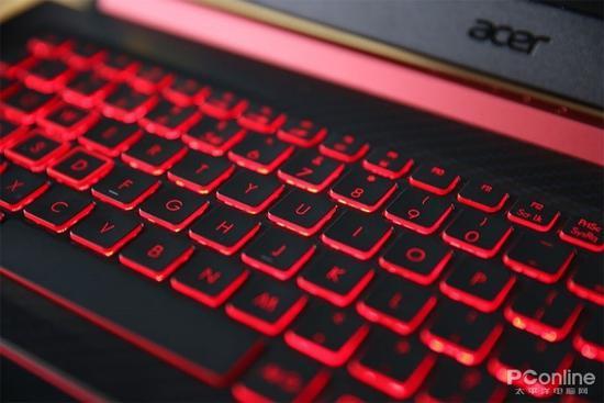 红黑对比设计的键帽
