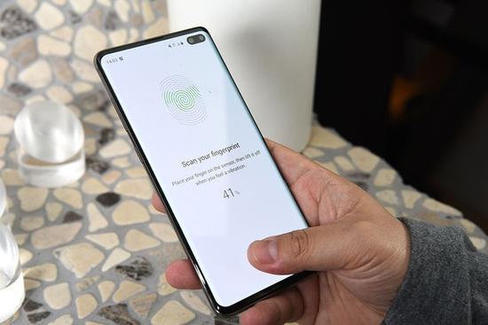 三星Galaxy S10+屏幕指纹