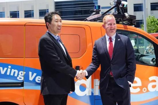 (吴恩达去年3月代表Drive.ai宣布了和德州小镇弗里斯科的合作)