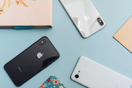 从某一年首,每一家手机厂商的现在的都成了模仿或者打败iPhone。/unsplash