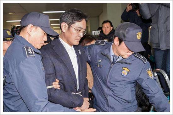 ▲李在镕接受调查 来源:韩联社