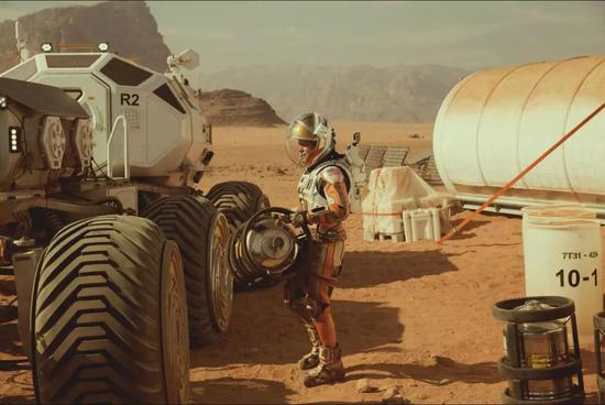 《火星救援》剧照 (图片来源:www.douban.com)