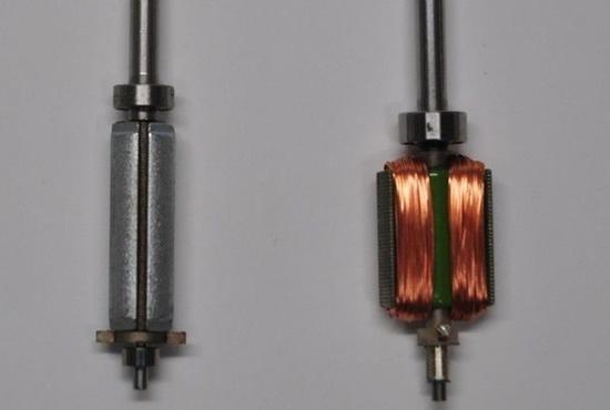 带线圈的是有刷电机转子