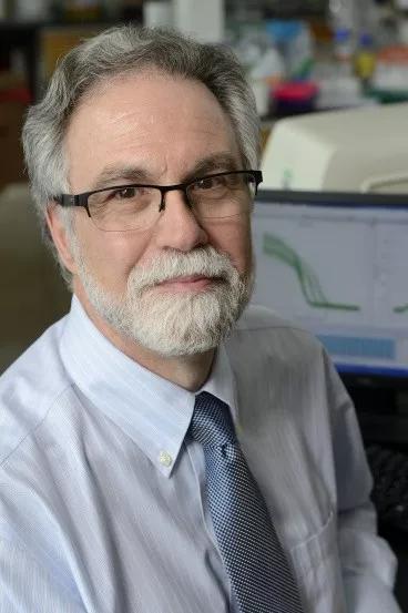 2019年诺贝尔生理学或医学奖获得者:   Gregg L。 Semenza