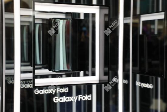 三星折叠屏手机临时取消中国区发布会 此前评测机问题频发