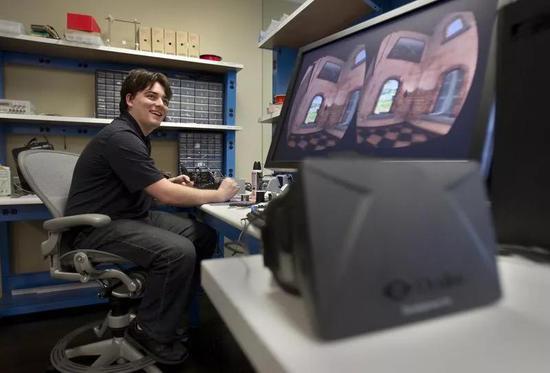 △ 帕胖在自己的办公室(Allen J. Schaben / 洛杉矶时报)