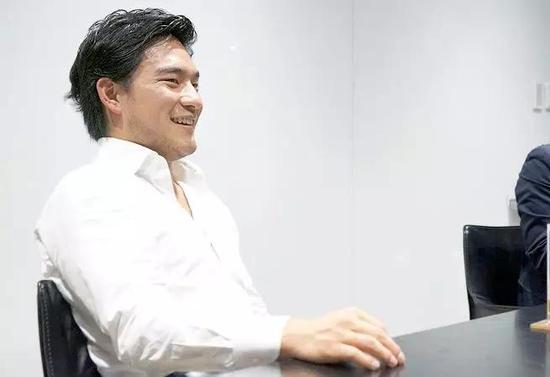 △网上流出的龟山敬司照片