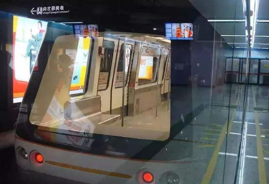 连广州全自动化运走的APM线都没自称为人造智能。/ RT轨道交通