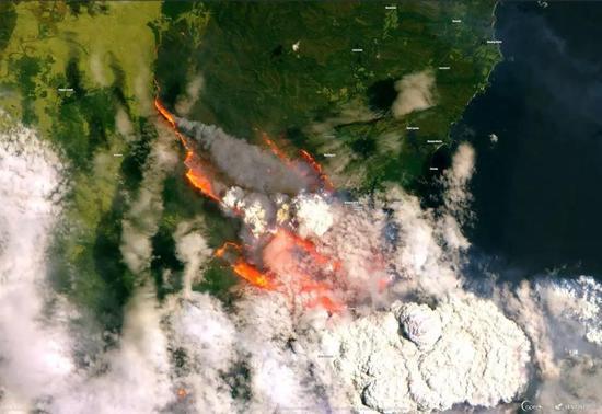 澳大利亚贝特曼湾2019年12月31日的山火。(图片来源:Copernicus EMS; Sentinel 2/ESA)