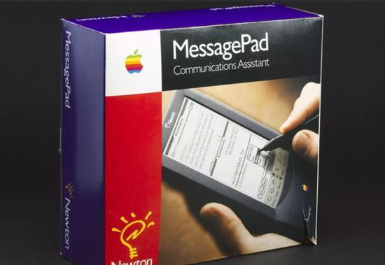 ↑苹果NewtonMessagePad,1993年推出,售价900美元,被认为是iPad的原型