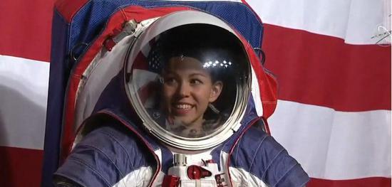 NASA正式公开新宇航服 第一套太空服计划2023年之前交付